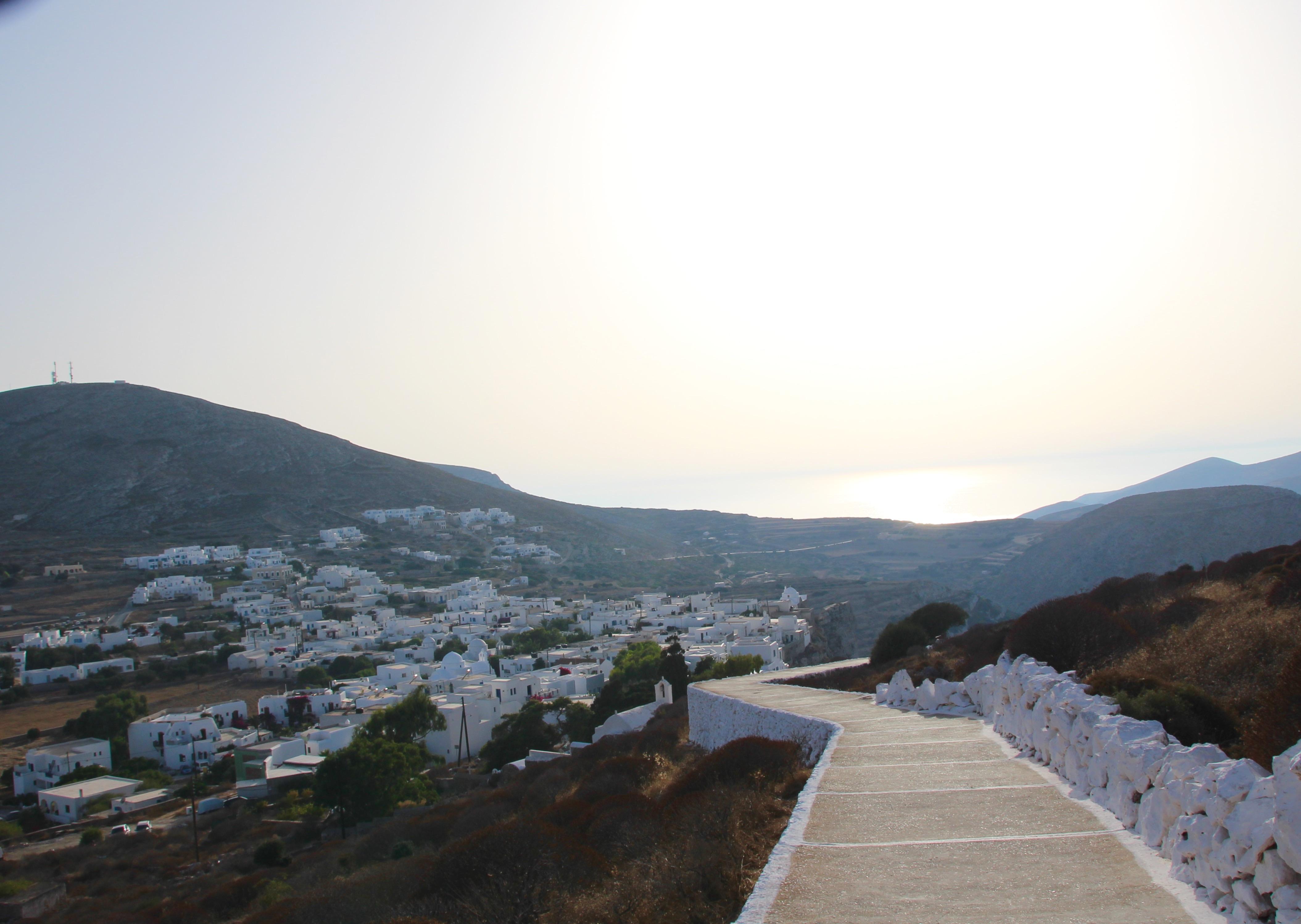 Vue depuis le chemin de l'église Panagia