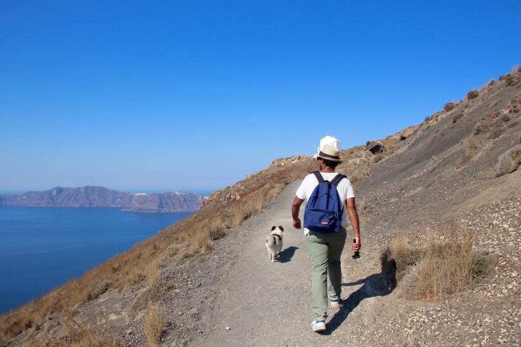 9h Départ de Fira pour la randonnée Santorin