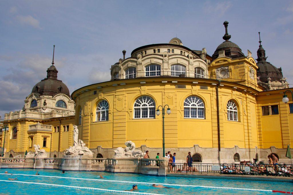 Thermes Szechenyi- Budapest en juillet